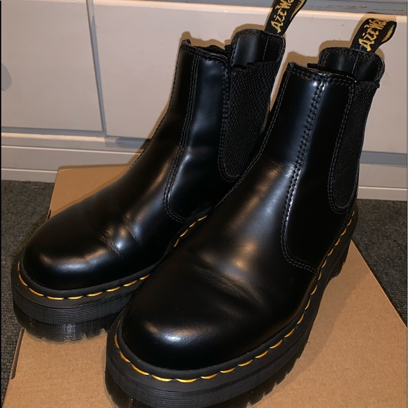 dr martens chelsea platform boots